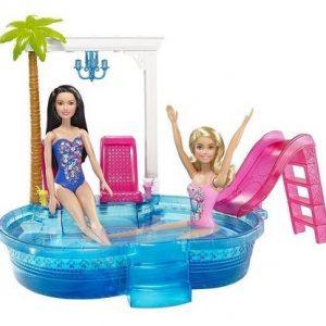 Игровой набор Barbie Гламурный бассейн Барби