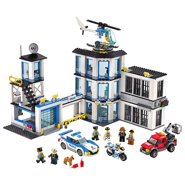 Конструктор Лего Полицейский участок 60141 LEGO City